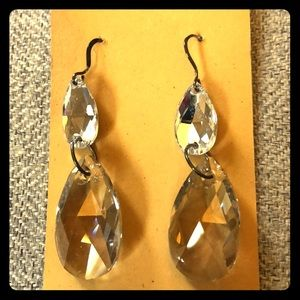 Stunning earrings in like new condition